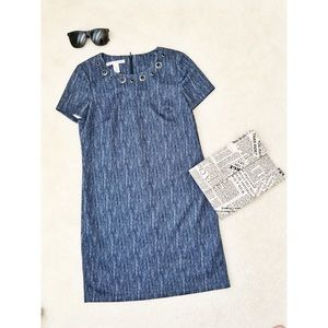 Maggy London size 4 dress with hole collar